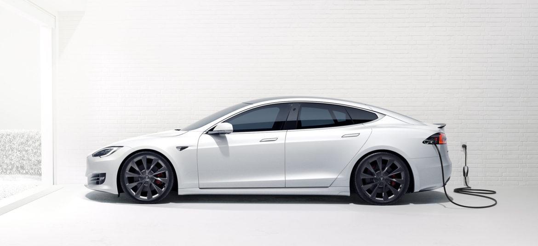 העלייה של טסלה פירושה שעידן המכוניות החשמליות מגיע לפני המועד